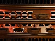 Powerconnectors gemonteerd
