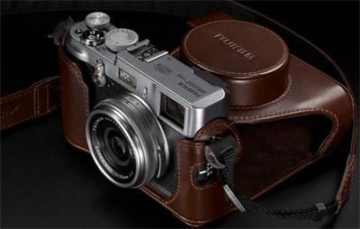 Fujifilm FinePix X100 in leder