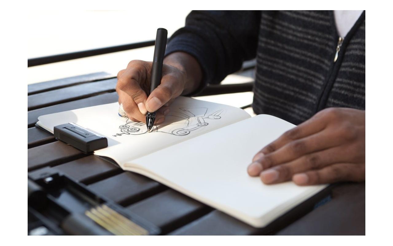 Wacom Inkling Pen Digitaliseert Schetsen Op Papier
